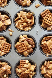 Idiot-Proof-Snickerdoodle-Peanut-Butter-Chocolate-Chex-Mix-Bars-7